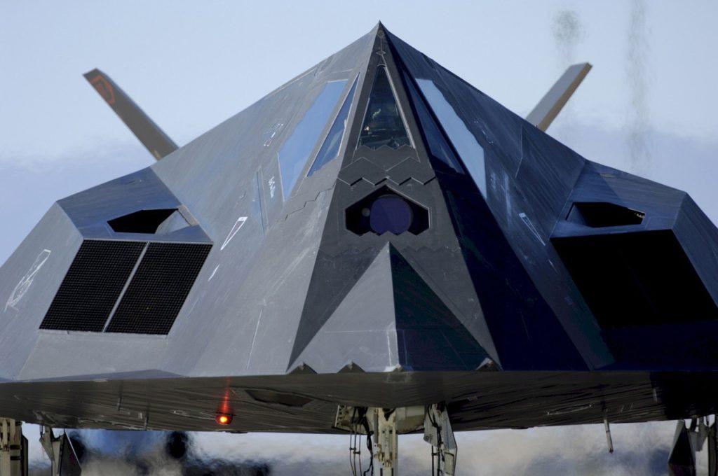 stealth jet f-117 nighthawk